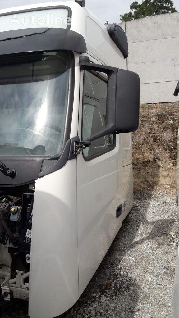 кабина VOLVO FH13 для тягача
